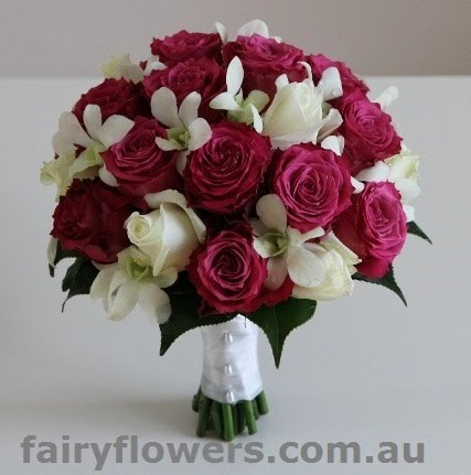White Wedding Dress With Red Roses 94 Fancy Mouve roses u orchids